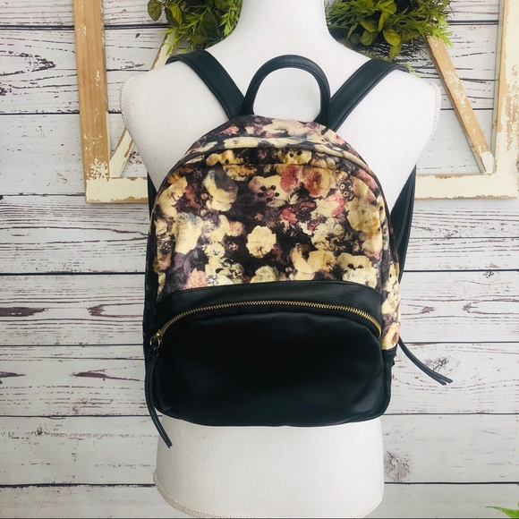 Mossimo Supply Co. Handbags - 🍁Mossimo • Velvet Faux Leather Backpack Purse